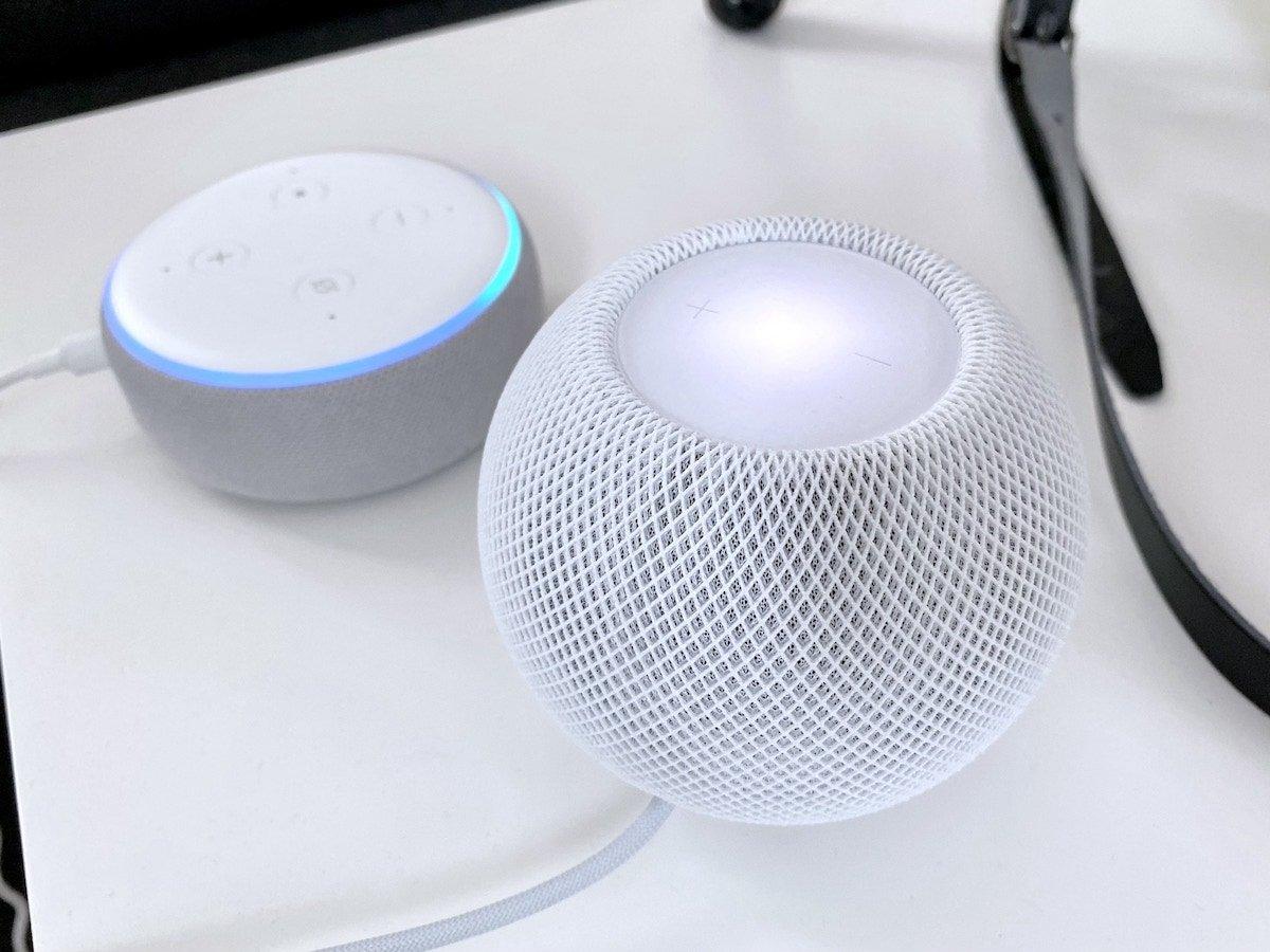 Apple HomePod mini und Amazon Echo Dot (3. Gen)   Foto: konsensor.de